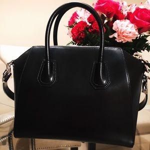 Givenchy Medium Antigona